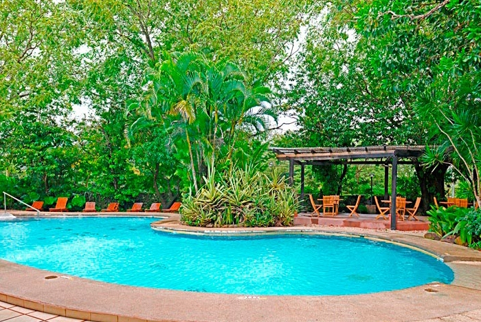 hacienda guachipelin pool1